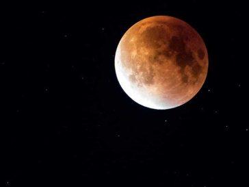 Какво е лунната церемония за пожелания? Как да си пожелаеш нещо в правилната фаза на луната