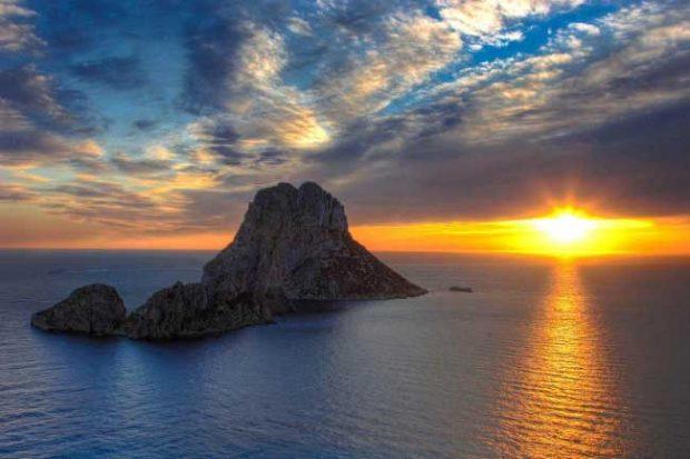Магнитният остров Ес Ведра, Испания