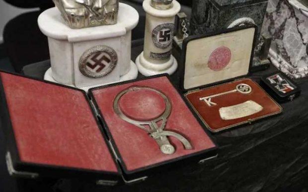 Нацистки предмети, изложени в централата на Интерпол в Буенос Айрес