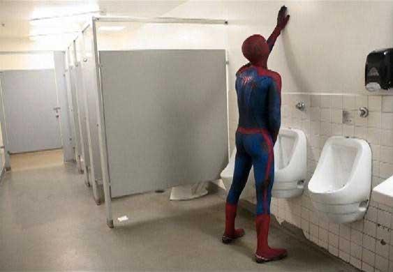 И Спайдермен има своите нужди...