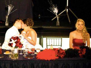 23 фотобомби, които направиха тези сватби още по-запомнящи се