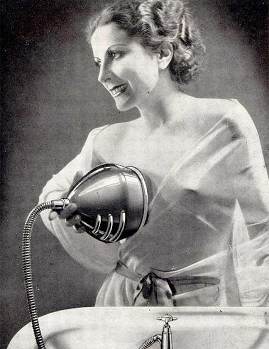 Приспособление за воден масаж на гърди (1930)