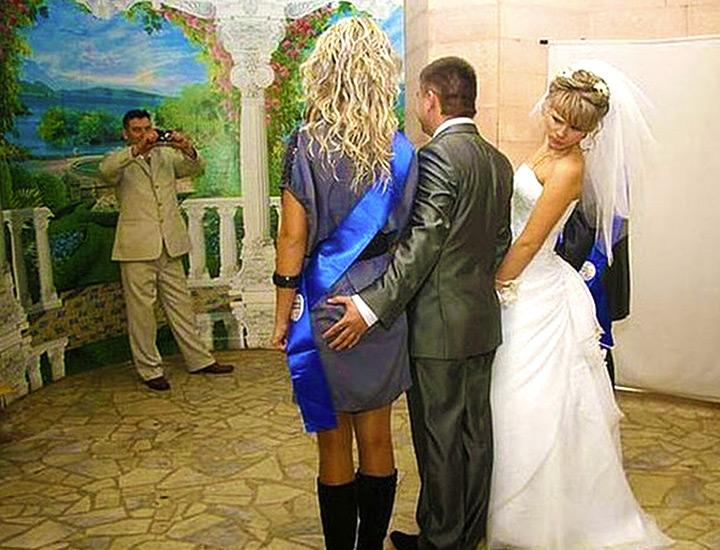 24 сватбени фотографи, които успяват да уловят нещо необичайно
