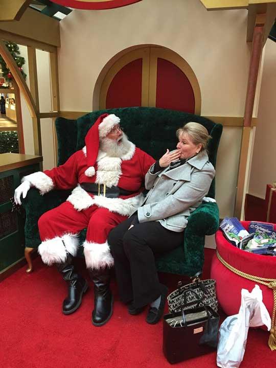 """""""Мама използва неприлични думички пред Дядо Коледа"""""""
