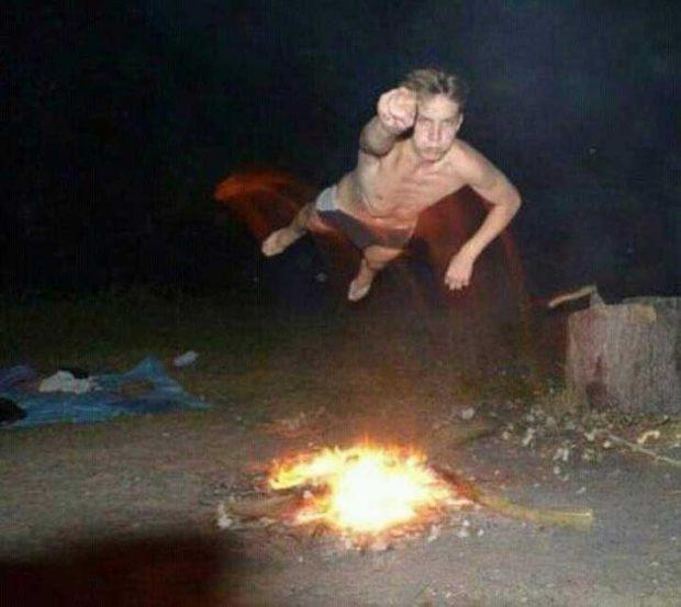 Супермен! Властелинът на лагерния огън и бирата