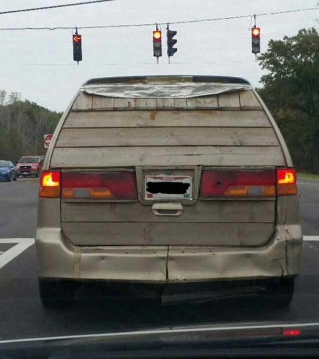 Когато дърводелецът ти ремонтира колата