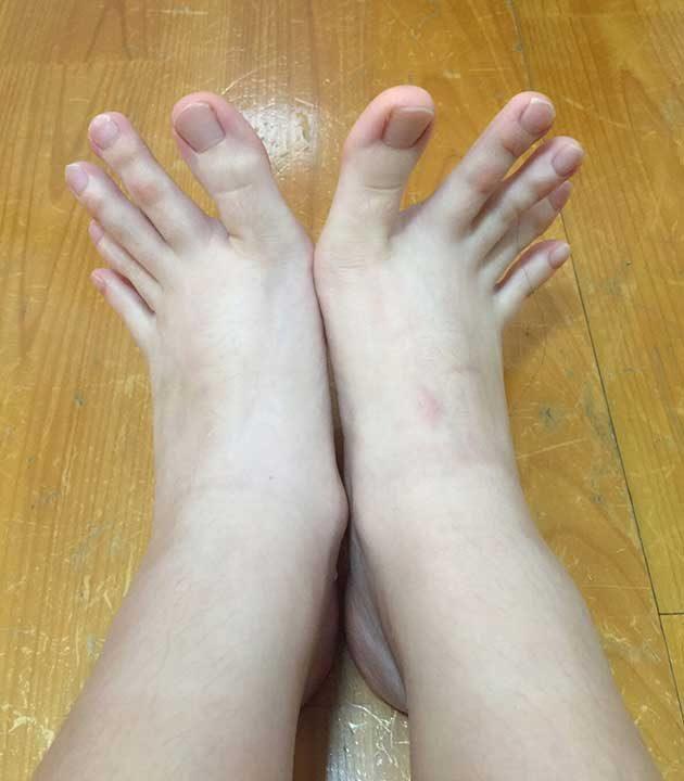 Кой казва, че пръстените на краката вече не са на мода?