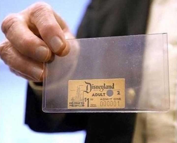 Първият билет, издаван някога от Дисниленд