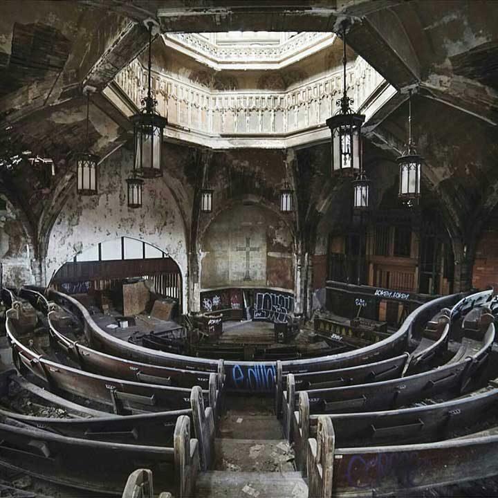 Изоставена църква в Детройт, САЩ