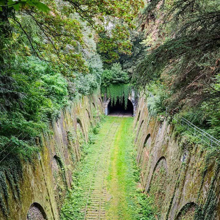 Забравен железопътен тунел в Париж, Франция