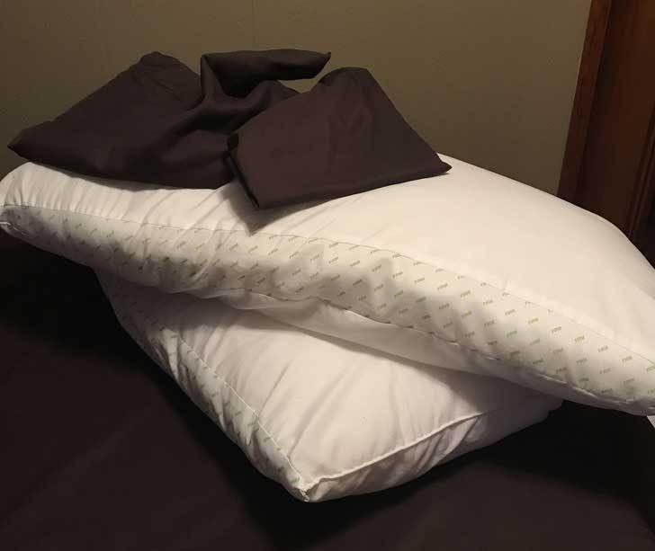 Помолих мъжа ми да сложи калъфките на възглавниците