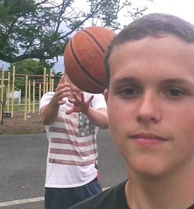 Баскетболните селфита могат да бъдат много непредсказуеми и дори болезнени