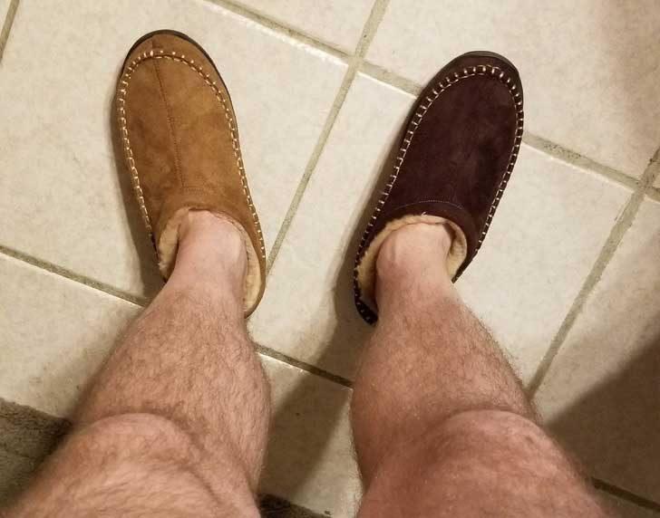 """""""Поръчах си нови домашни чехли от разпродажба в интернет. Тази сутрин ги получих и... Имам проблем!"""""""