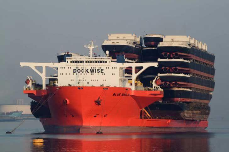 Кораб, пренасящ кораб, пренасящ кораби