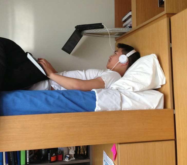 Когато да се поизправиш и да седнеш в леглото не влиза в плановете ти за деня
