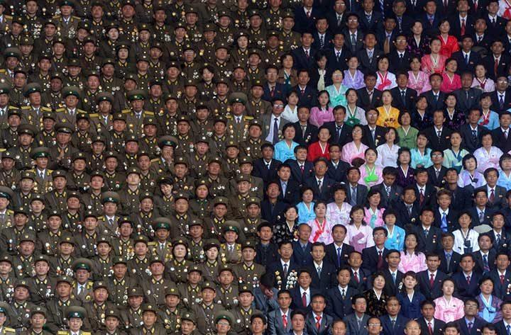 Кадър от честванията на 100-годишнината от рождението на основателя на Северна Корея - Ким Ир Сен