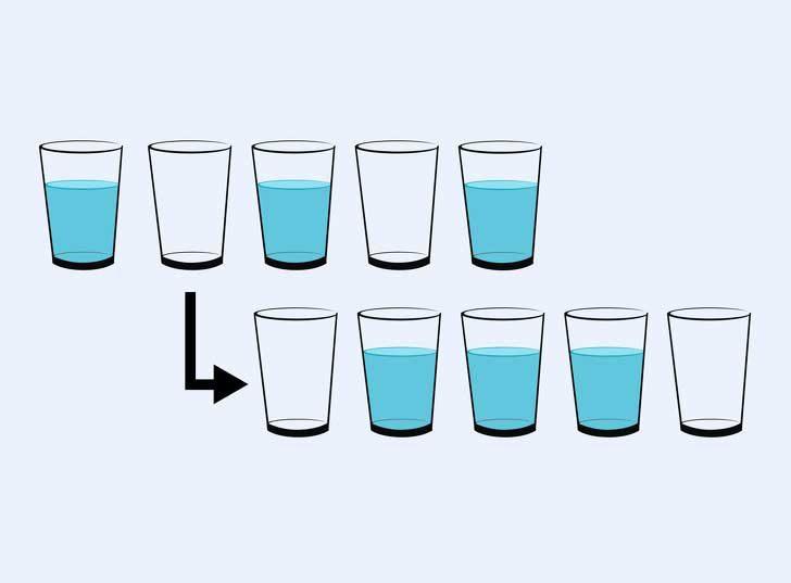 Премести само 1 чаша от горния ред, за да постигнеш подредбата от долния