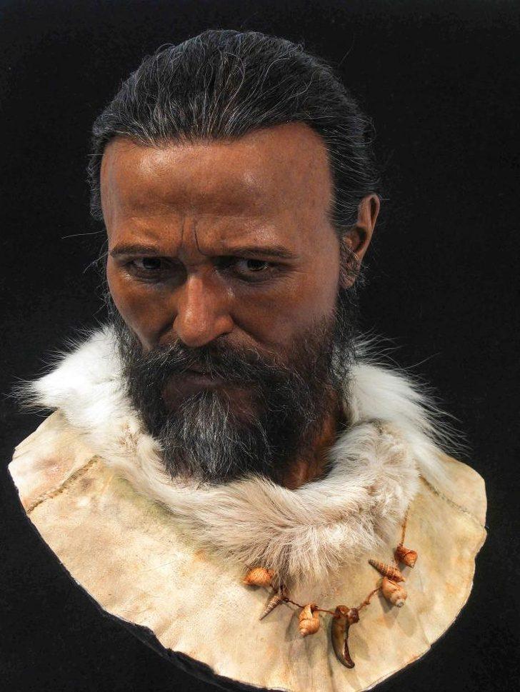Кроманьонски мъж, чийто череп е бил на около 30000 години