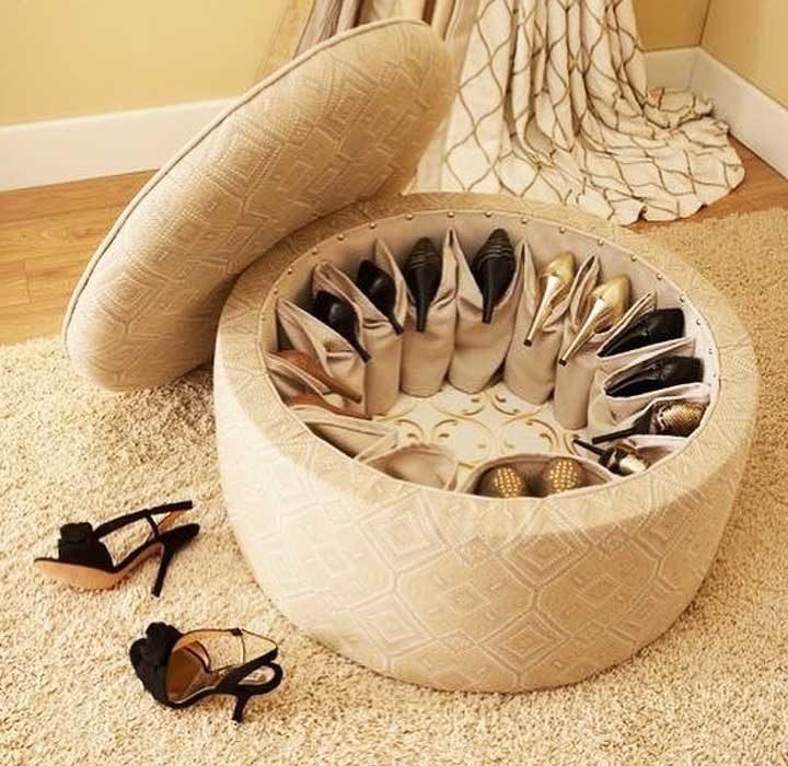Кръгла пейка с място за съхранение на обувки