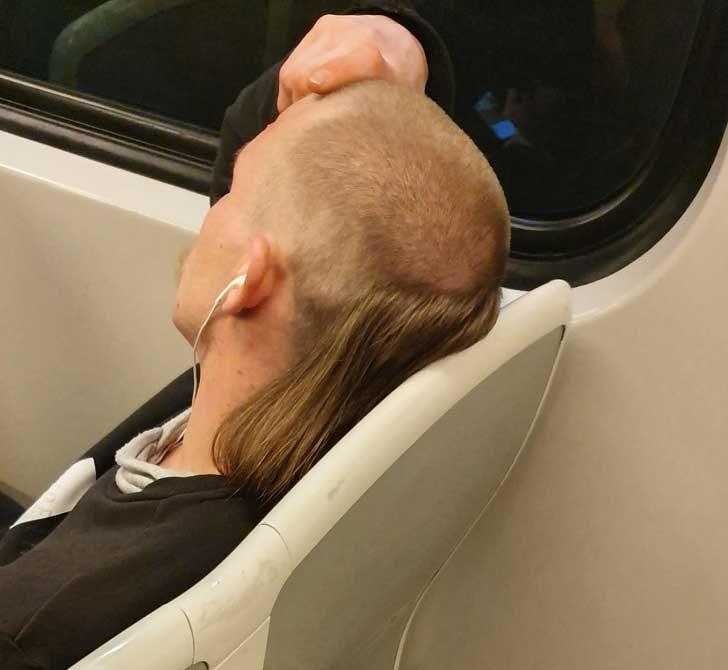 Когато искаш горната част на главата ти да се проветрява, а отдолу да ти е топло