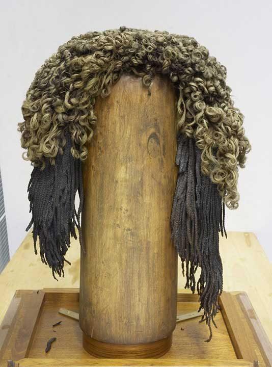 Перука, направена от човешка коса (межди 1543 и 1292 г. пр. Хр.)