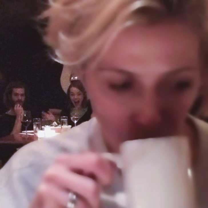 """""""Моята приятелка се опита тайно да щракне Ема Стоун и Андрю Гарфийлд, докато вечерят. Ето резултатът"""""""