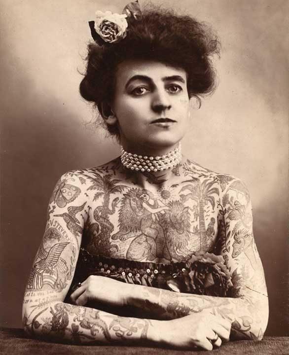 Мод Уагнър е известна като първата жена татуист. Тя покрива и голяма част от своето тяло с татуировки