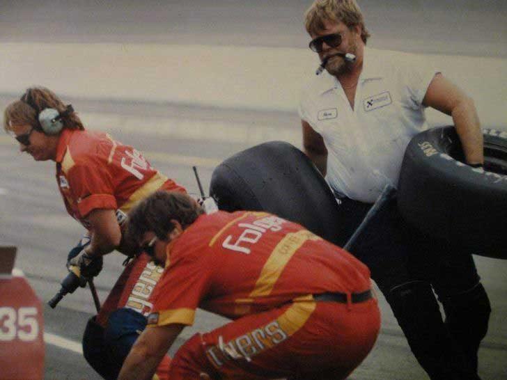 """""""Баща ми от времената, когато работеше едновременно за отбора на Hendrick Motorsports в NASCAR и на снимачната площадка на филма """"Дни на грохот"""" (Days of Thunder)"""""""