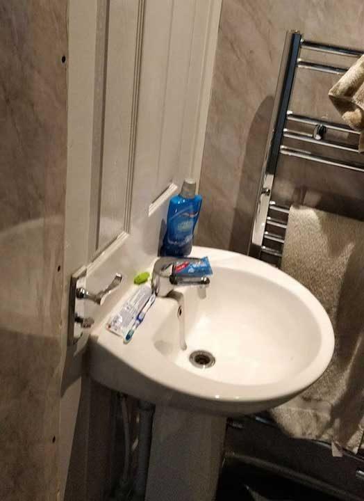 Перфектната система, за да не забравиш, че трябва да си измиеш ръцете, след като ползваш тоалетната