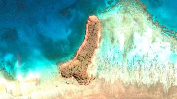 Жена намери остров с формата на пенис в Тихия океан