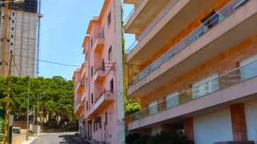 Мъж построил най-тънката сграда в Ливан, за да съсипе гледката на брат си
