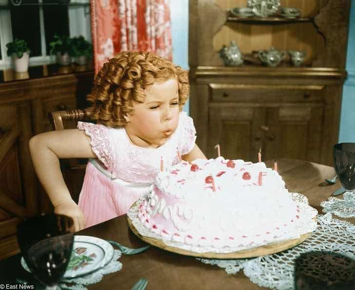 Защо ядем торта на рождени дни и духаме свещи?
