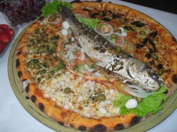 Бразилски ресторант сервира пица с нестандартен топинг