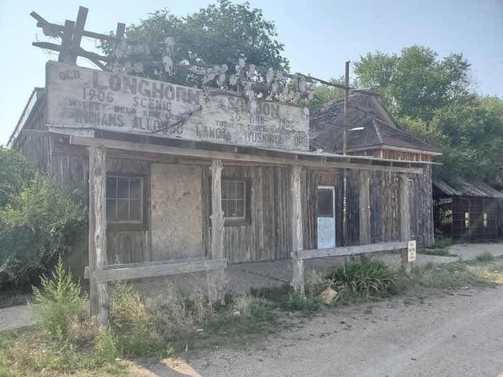 Тази сграда е част от цял призрачен град в Южна Дакота