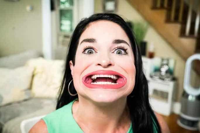 Жената с най-голяма уста в света според Книгата на Гинес